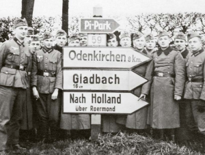 Nach Holland photos of the German invasion of Holland